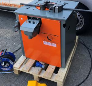 Stationaire buigmachines zijn er in diversen uitvoeringen. Hierbij is  het te buigen en knippen maximale diameter belangrijk.